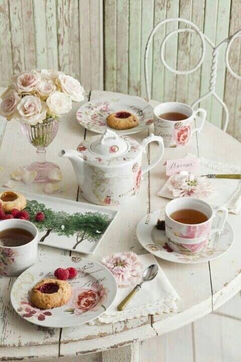 TEA PARTY: l lazyload'ora del te in stile shabby