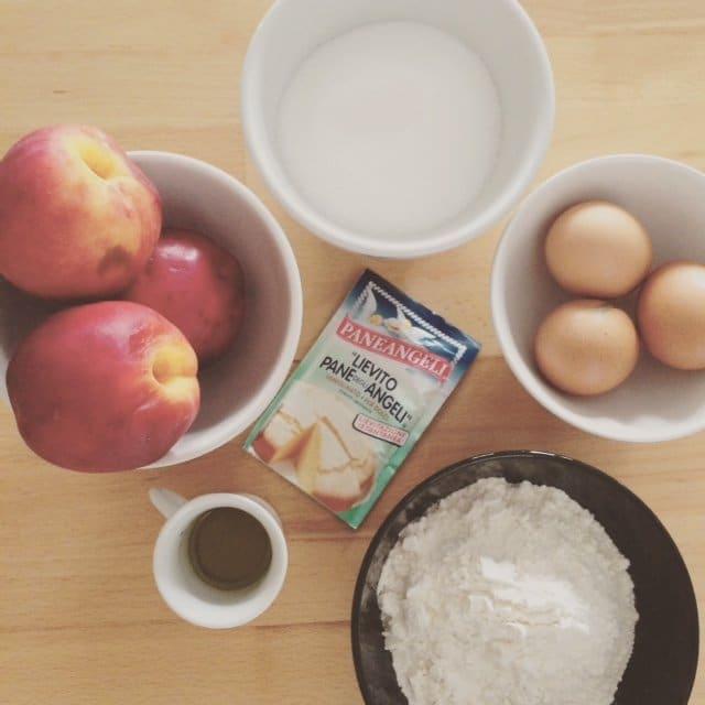 Le ricette della nonna: torta di pesche facile e veloce