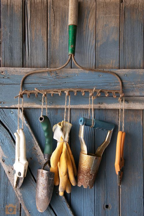 Riciclo creativo: vecchi rastrelli