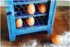 cantinetta porta uova shabby chic