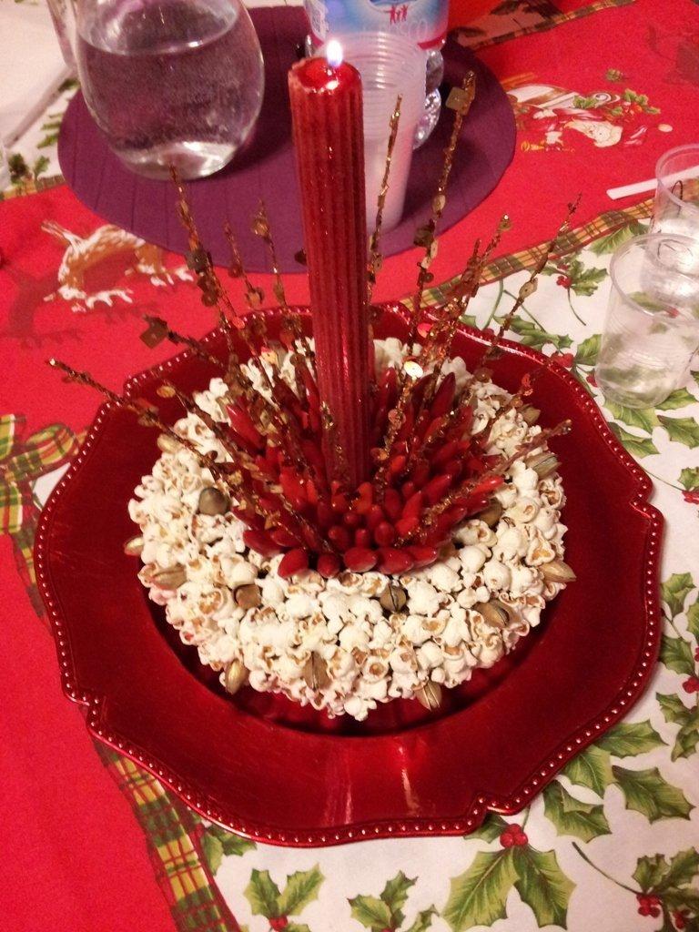 Blog shabby chic centrotavola di natale fai da te realizzare un centrotavola con pop corn - Decorazioni tavola capodanno fai da te ...