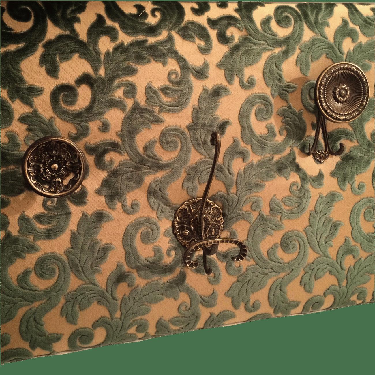 appendiabiti vintage da parete quello sbagliato