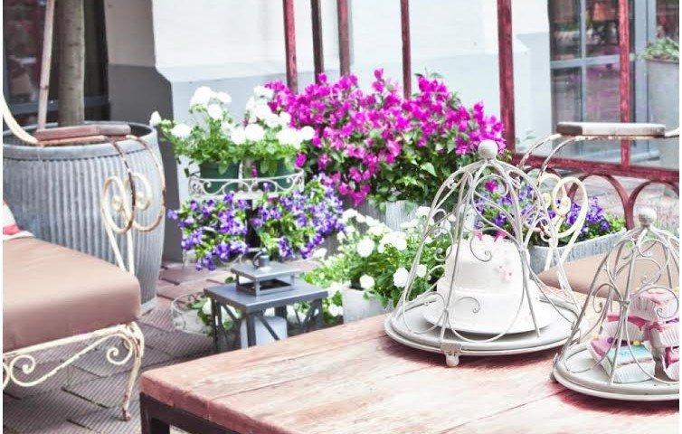 balcone primavera fiori