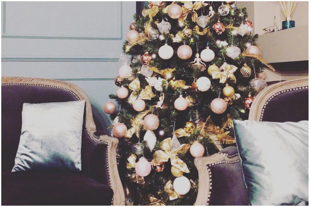 Shabby Chic Natale : Tendenze albero di natale shabby chic il colore rosa quello