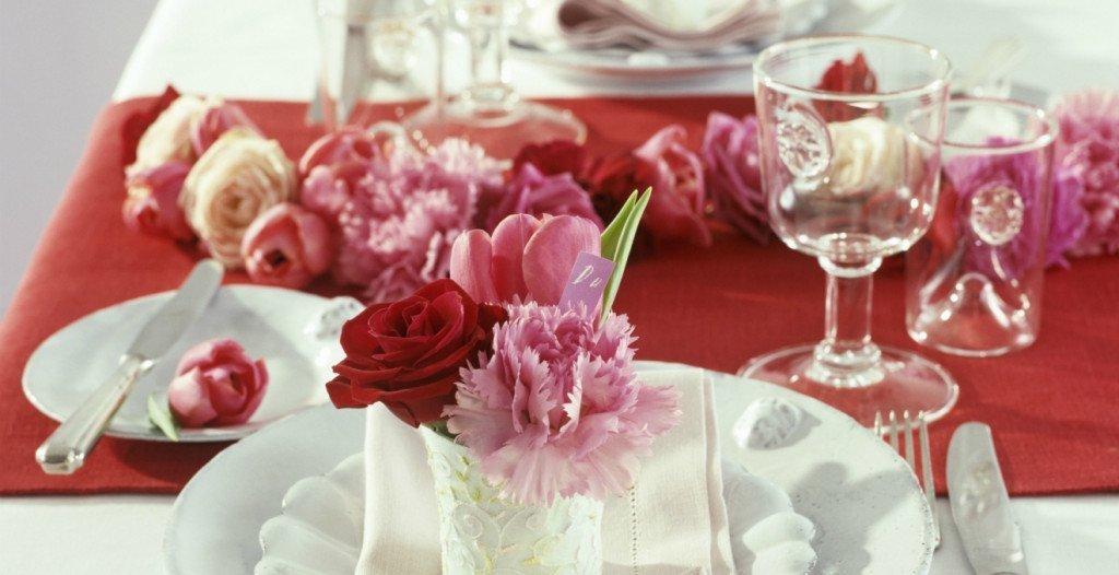 come decorare la tavola a San valentino