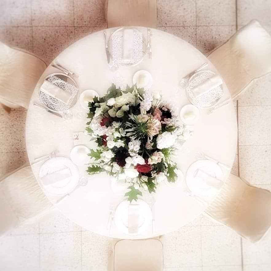 il galateo delle buone maniere a tavola