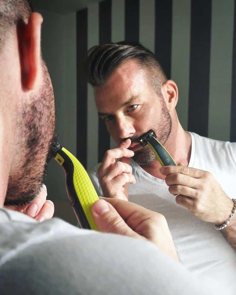 come prendersi cura della barba corta