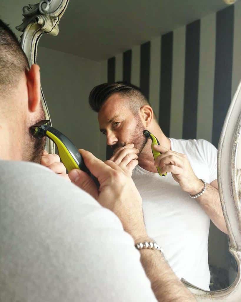 la cura della barba corta