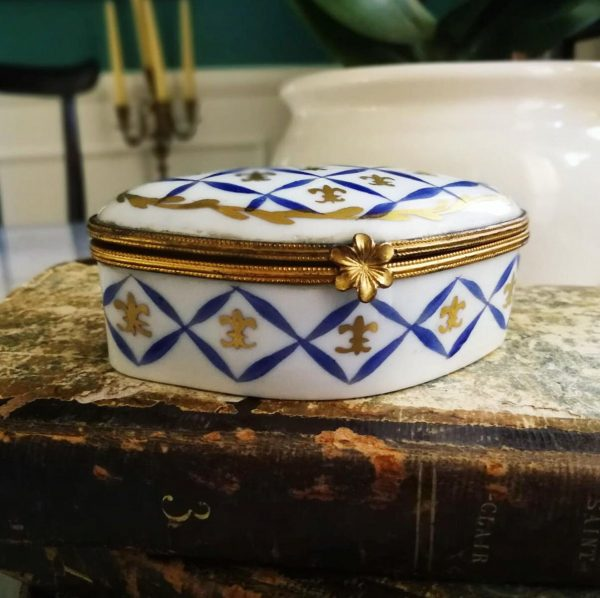 Scatola Cerniera vintage decori bluette oro porcellana francese