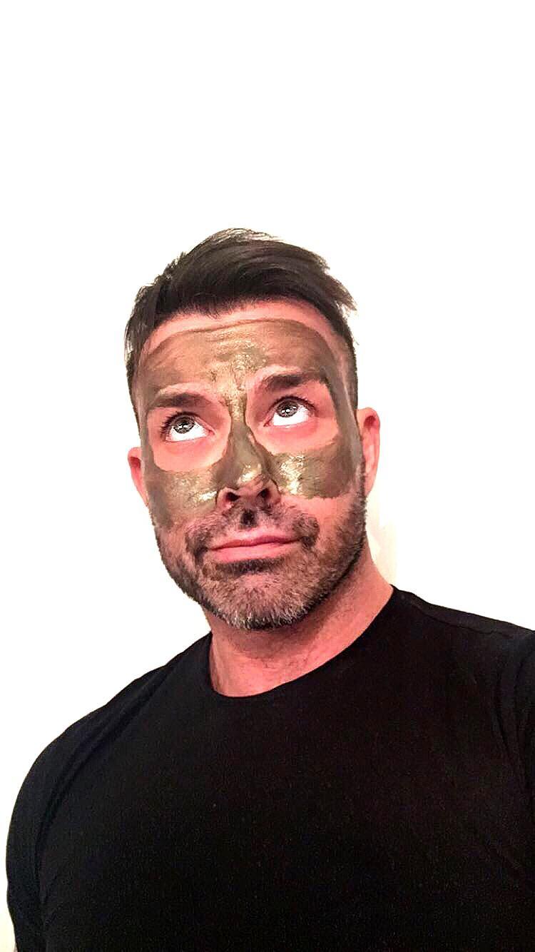 maschere da viso uomo esfolianti nutrienti detox