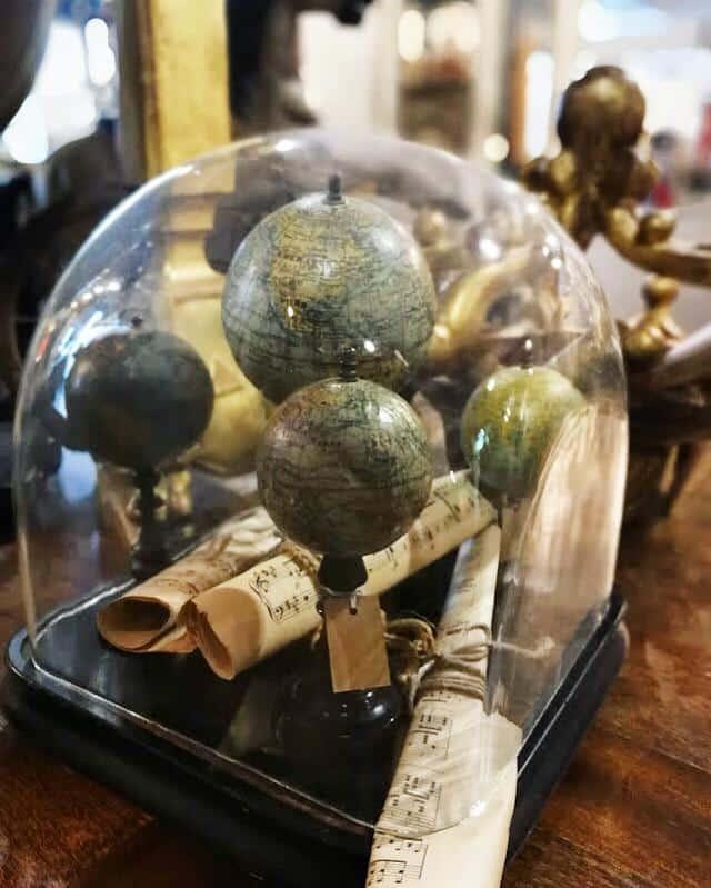 vecchie campane di vetro vintage