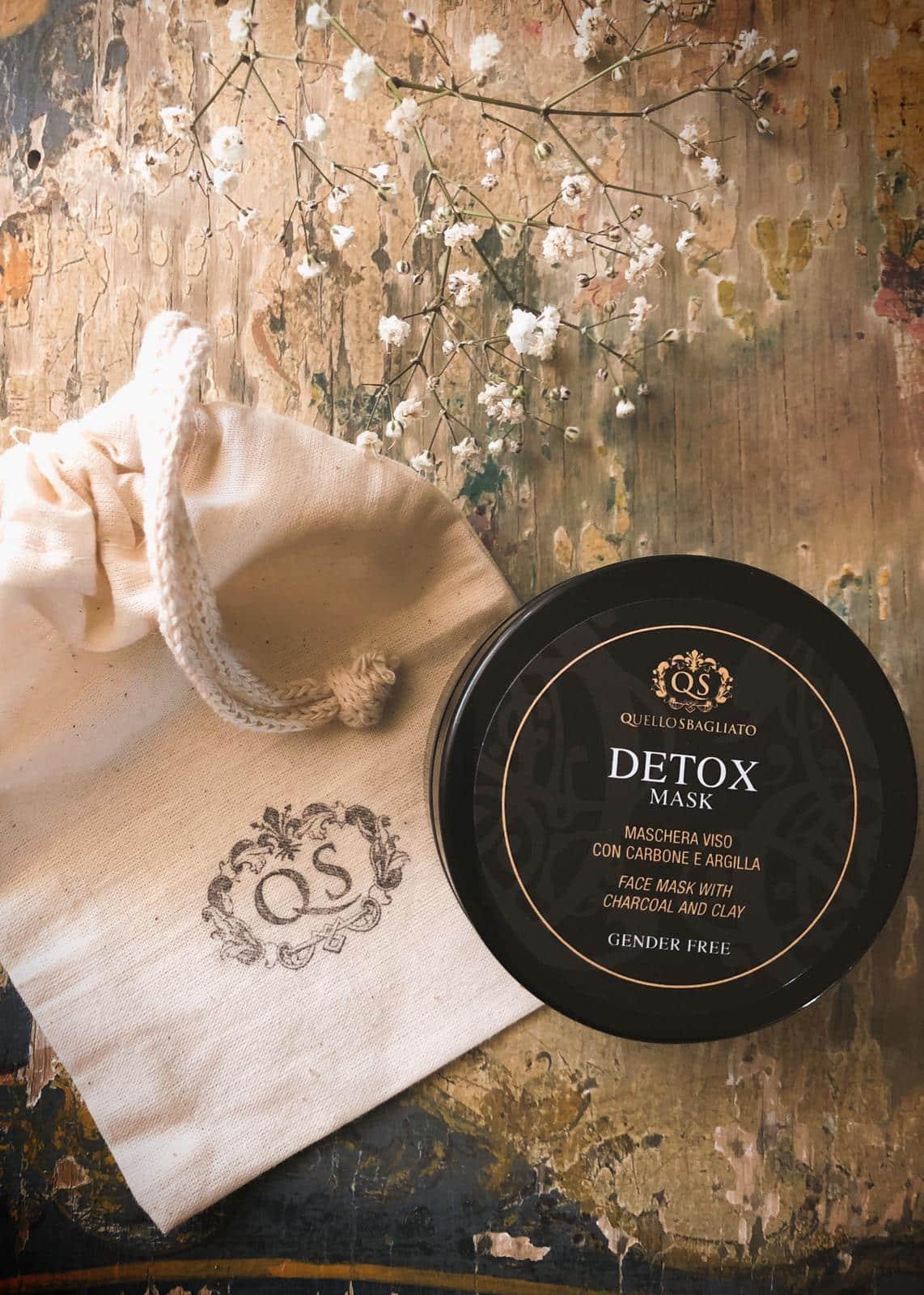 Maschera purificante carbone e argilla anti acne e brufoli