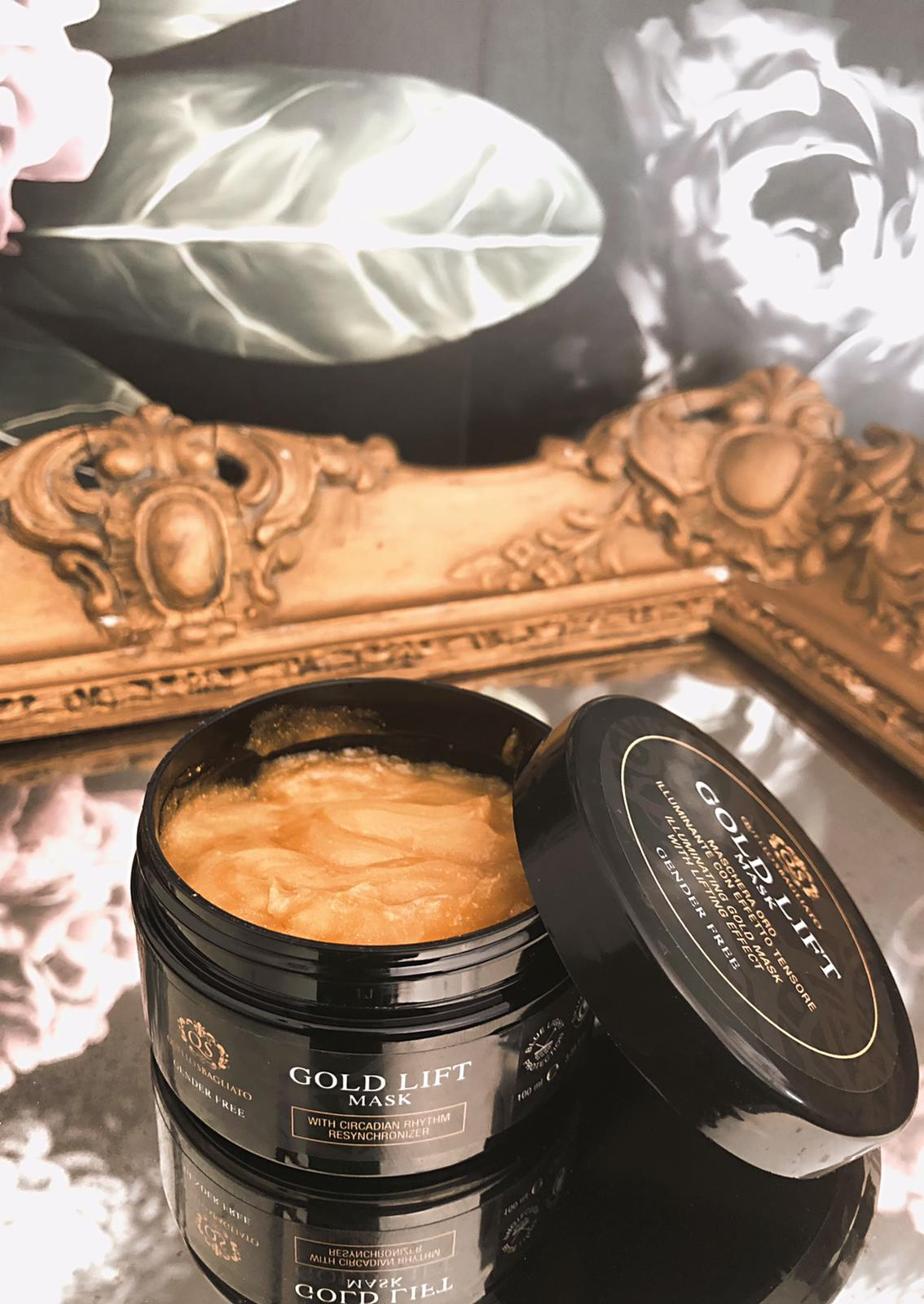 maschera oro illuminante con effetto tensore illuminante pelle perfetta