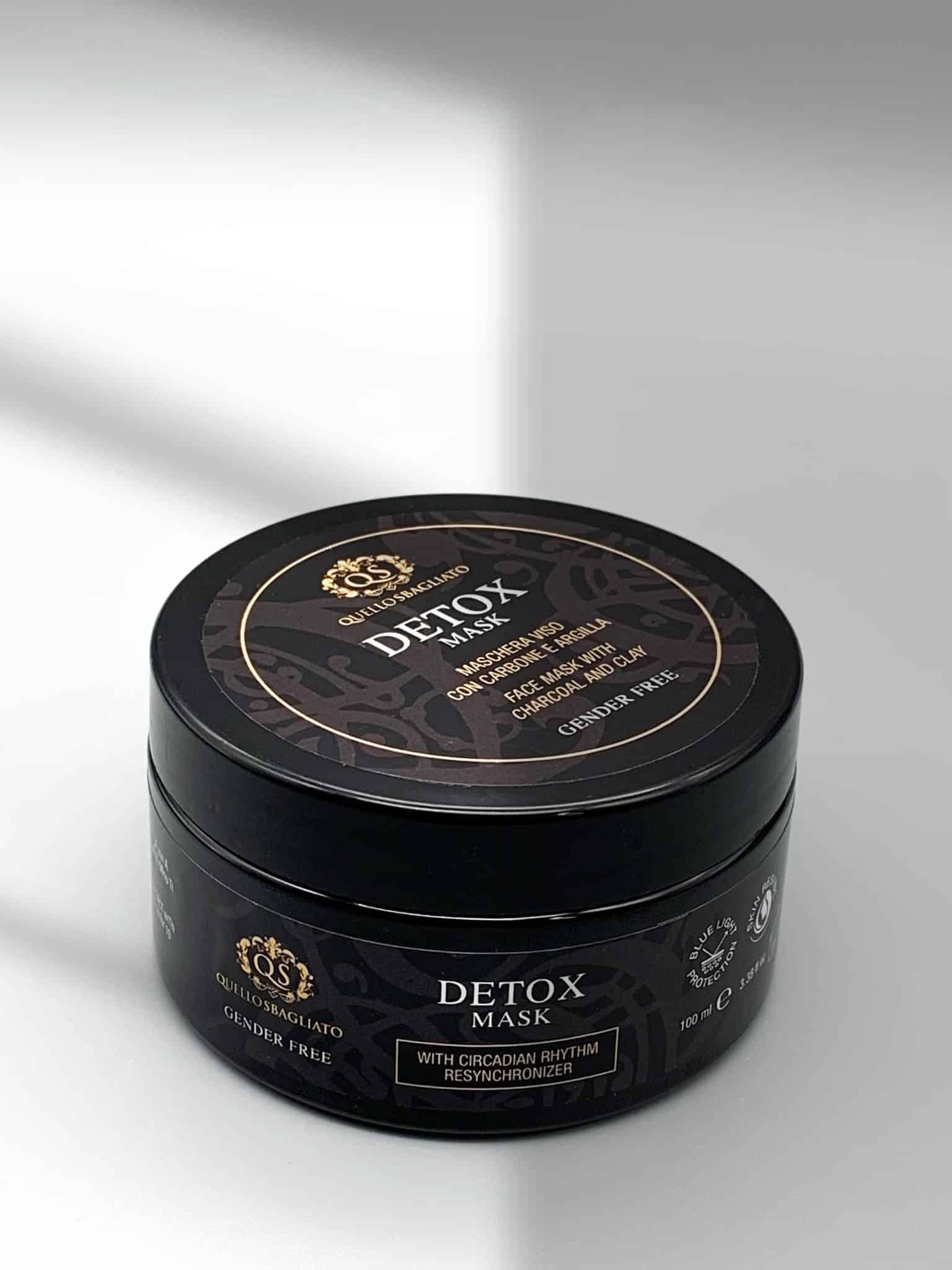 maschera purificante al carbone e argilla anti acne