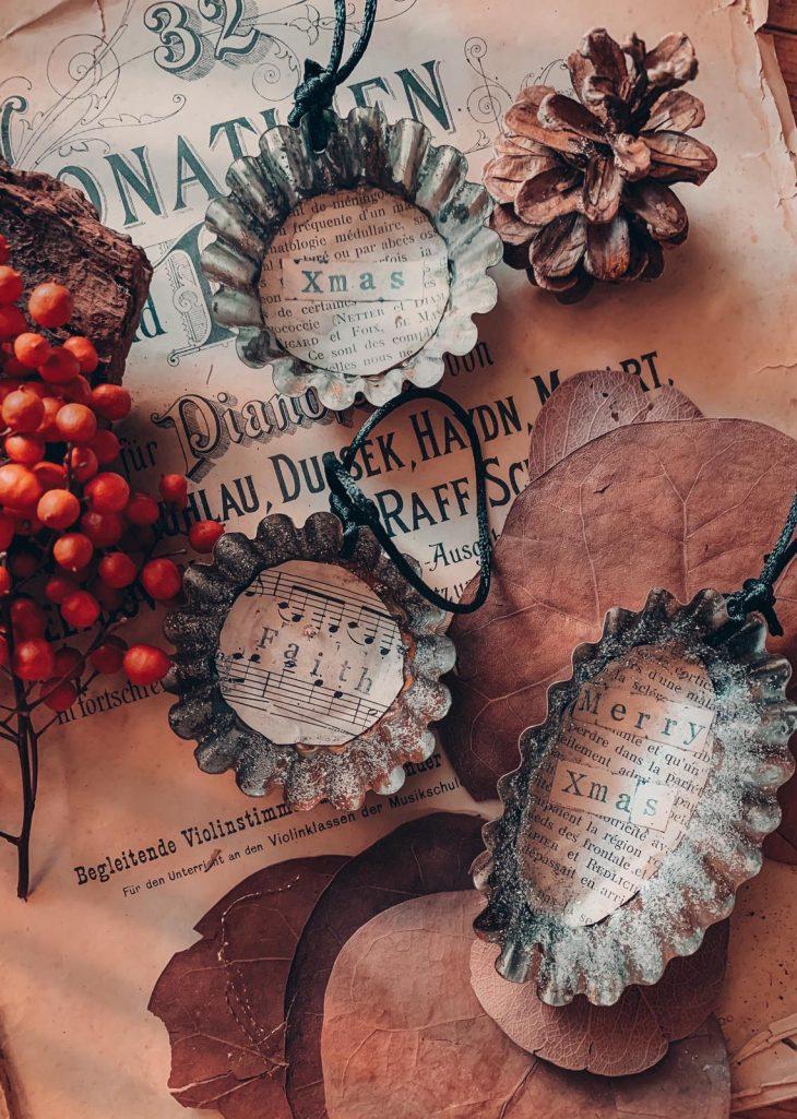 Tre decorazioni di Natale per albero metallo effetto vintage